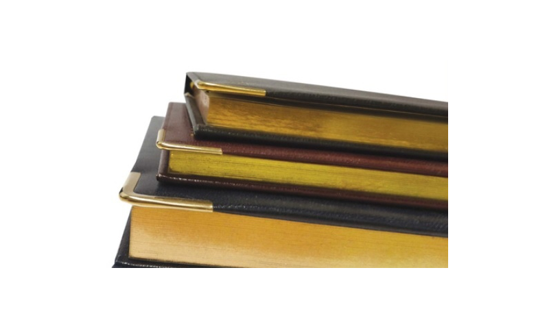 Superior Leathergrain A4 Desk Diary, 2022, Day per Page, 70g White Paper, Gilt Edges, Gilt Corners, Embossed on Front Cover